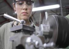 Pertinente para la industria mexicana la formación de tecnólogos profesionales